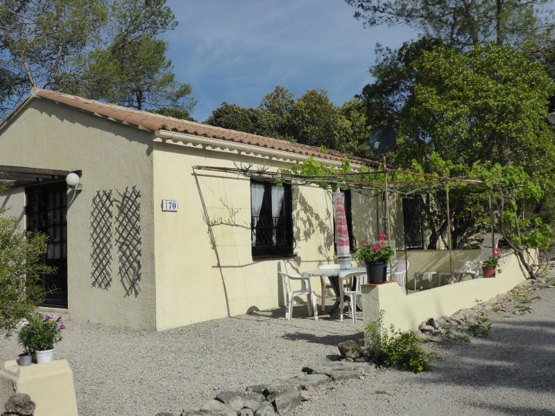 Ruime stenen bungalow nr.170