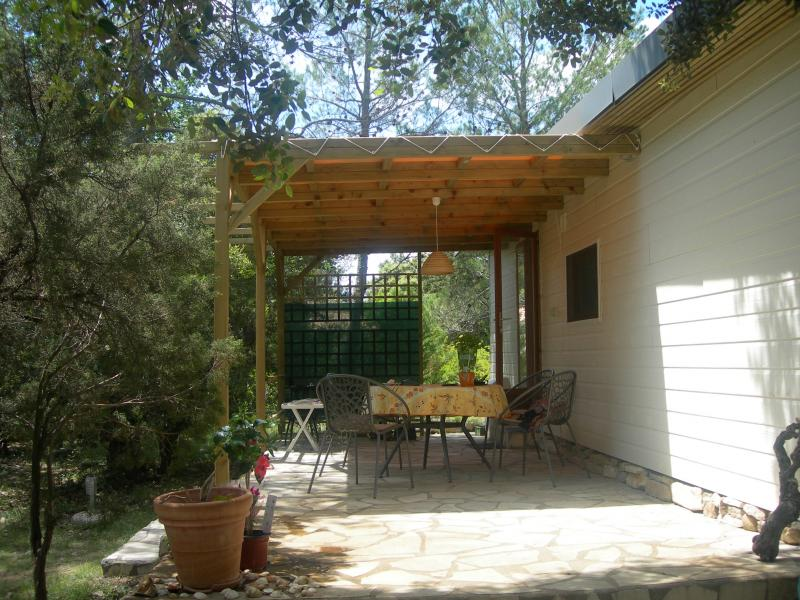 Luxe chalet nr. 42 met zonnige beschutte tuin