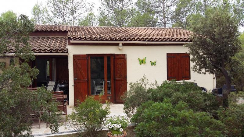 Sfeervolle stenen bungalow nr. 266 op zonnige kavel