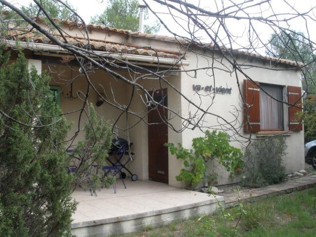 Sfeervolle stenen bungalow nr. 284 op zonnige kavel
